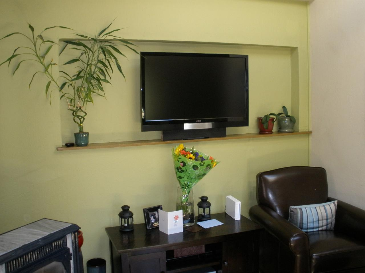 Simple family room with tv - Family Room Plasma Lcd Tv